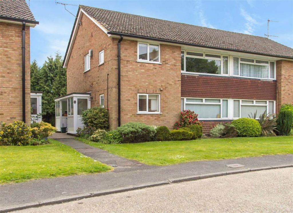 Master Close, Oxted, Surrey