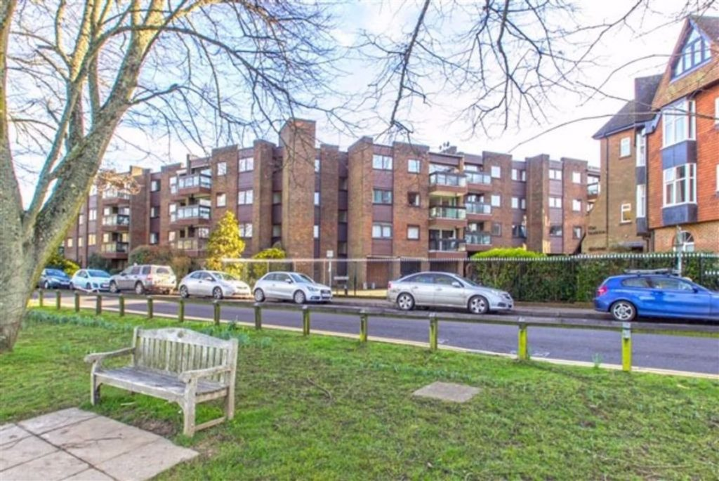 Oakleigh Court, Oxted, Surrey